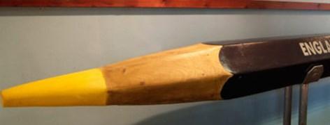 2001 - Museu do Lápis: Lápis gigante de quase 8m